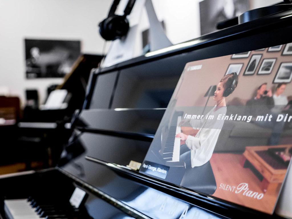 Yamaha-Klavier B1 Silent für Miete und Mietkauf bei René George. Klaviere