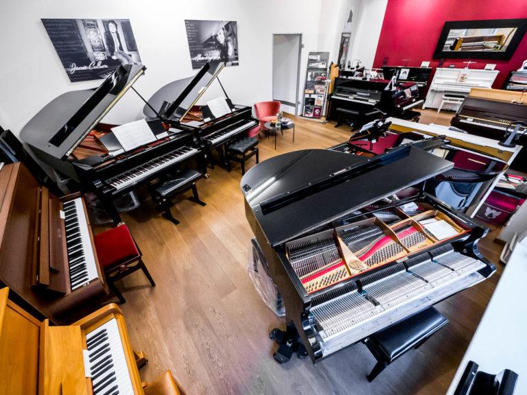 Verkaufsraum Ladengeschäft René George. Klaviere Berlin in der Lychener Straße